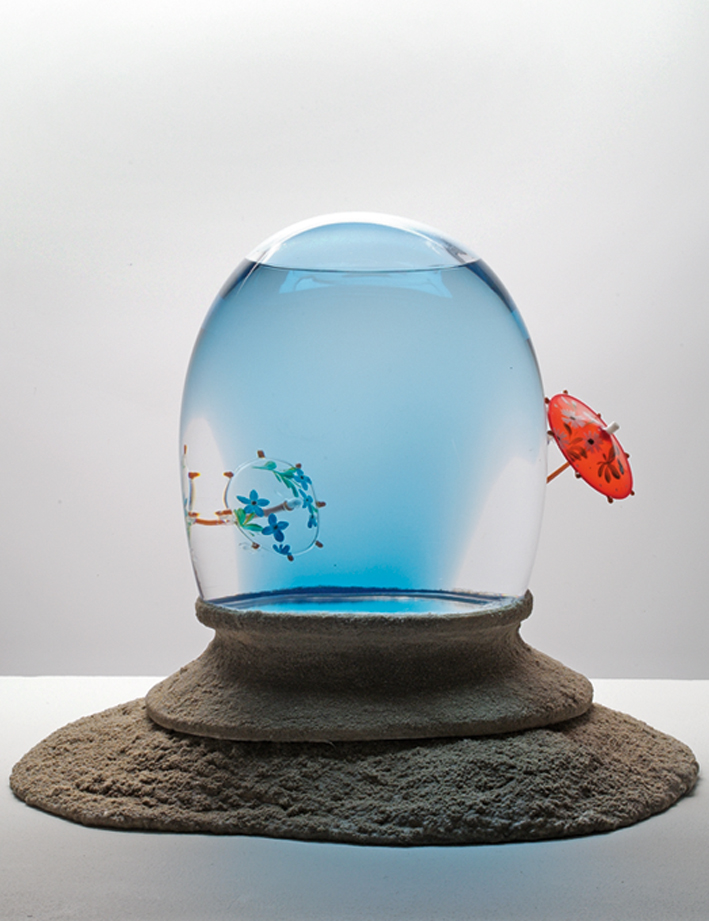 A mon seul Désir, 2008, 56 x 38 x 42 cm, blown glass, mixed media